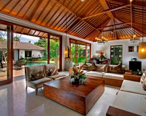 Камень и дерево – залог уюта в доме
